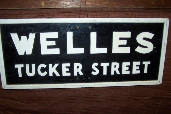 welles-sign