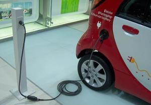 Auto elettriche: dobbiamo aspettare il 2020 per batterie migliori