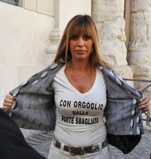 """La """"gnocca"""" di Berlusconi divide la Mussolini e la Santanchè"""