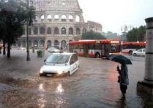 Nubifragio a Roma: giovane cingalese muore in uno scantinato