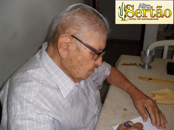 Ex-prefeito de Cajazeiras, o senhor Francisco Matias Rolim.