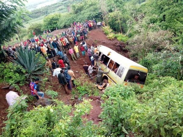 Local do acidente que matou mais de 30 crianças na Tanzânia, neste sábado (06) (Foto: Reuters/Emmanuel Herman)