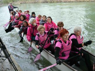 Donne operate al seno, riabilitazione a colpi di pagaia su Dragon Boat
