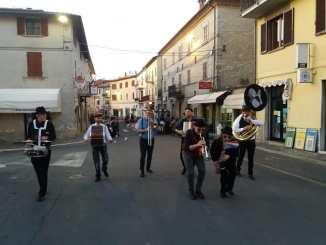 """Pietralunga """"Not(t)e sotto la Rocca"""" apre la stagione estiva nel Borgo"""