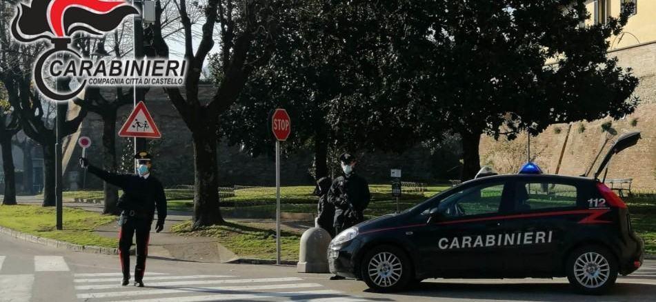 Guida monopattino ubriaco e si schianta con auto a Città di Castello