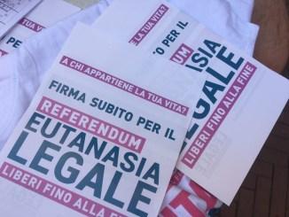 San Giustino, banchetto raccolta firme favore referendum eutanasia legale