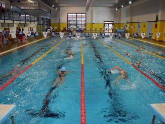 Città di Castello, maratona di nuoto benefica contro il Covid