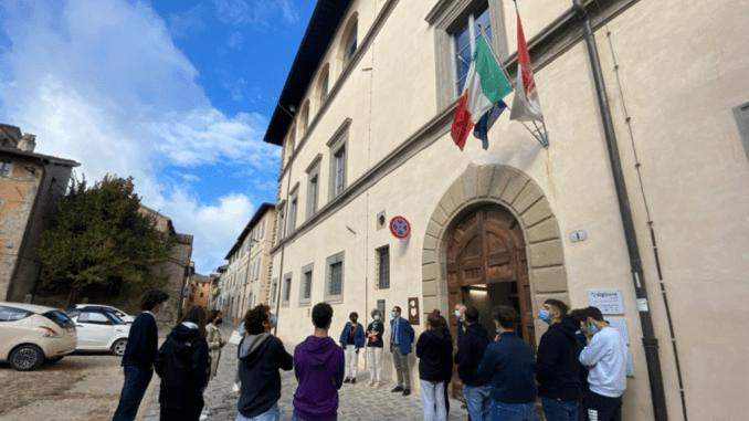 I libri e la città per le superiori passeggiate Biblioteca comunale Carducci