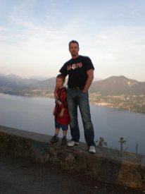Mister Cali und Ezra am Lago Maggiore