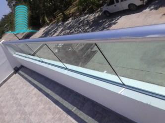 baranda-residencial-aluminio-cristal-templado-1