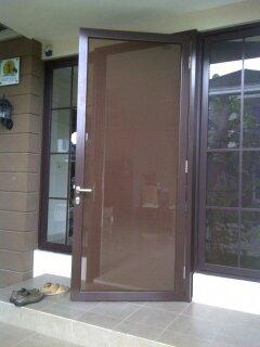 Pintu aluminium kawat nyamuk