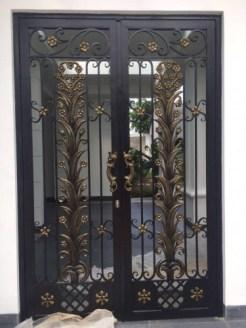 Contoh Pintu Besi Tempa Minimalis
