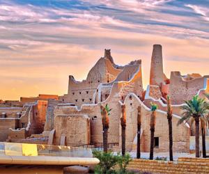 جدران قصر سلوى تتحول لشاشات تعرض ملاحم الدولة السعودية الأولى