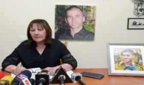 والدة الجندي أرون شاؤول تهاجم الحكومة الإسرائيلية