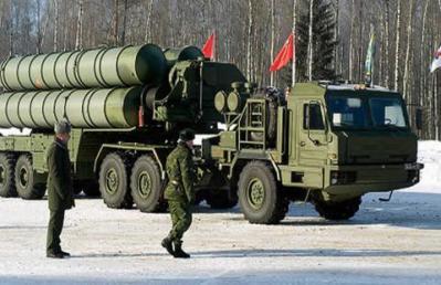 """روسيا تعلن استنفار وحدات الصواريخ """" إس 300 و إس 400"""""""