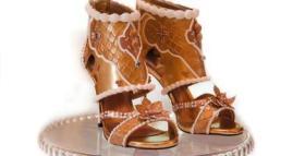 دبي تعرض أغلى حذاء في العالم بقيمة 15 مليون دولار