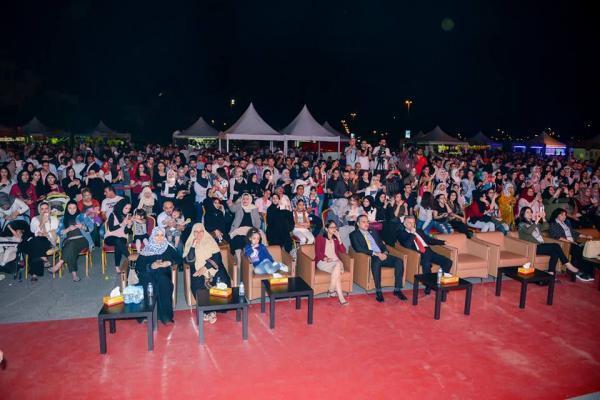 1256 1 - بالصور.. محمد عساف يشعل أجواء الجامعة الأمريكية بحضور الآلاف