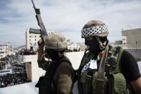 كتائب الأقصى: سنقاتل لارجاع رواتب موظفي السلطة بغزة مهما كلف الثمن