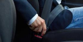 ماذا يحدث عندما تنام أثناء القيادة وتهمل حزام الأمان؟
