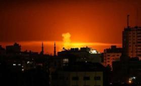 قصف إسرائيلي بمخيم النصيرات وسط قطاع غزة والمقاومة ترد بقصف غلاف غزة