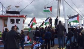 """الاحتلال يستولي على سفينة """"كسر الحصار"""" ويحتجز ركابها"""