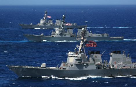لغة القوة في العمل.. البحرية الروسية تجبر أمريكا على التراجع وتغيير التكتيك على الساحل السوري