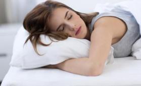 """ماذا يفعل نوم القيلولة بـ""""مخ الإنسان""""؟"""