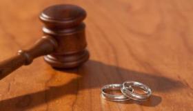 امرأة تتزوج بعمر الـ100 عام للمرة الثالثة