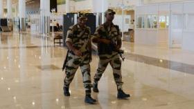 """""""لماذا طُلب من أفراد الأمن بمطارات الهند عدم الابتسام كثيرا؟"""