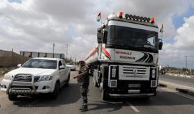 حماس: خطوة الوقود سيتبعها خطوات لتخفيف أزمات غزة