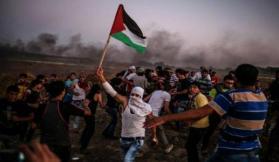 شبان يحرقون مرصدا عسكريا إسرائيليا شرق البريج