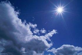 الطقس: أجواء مُشمسة والحرارة أعلى من معدلها العام