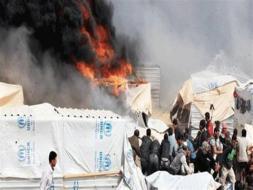 سيدة سورية تحرق نفسها وأطفالها في مخيم الركبان بسبب الجوع