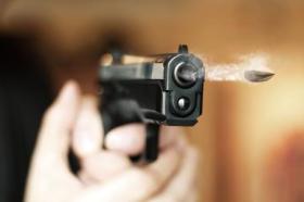 مصرع مواطنة برصاصة انطلقت بالخطأ من سلاح زوجها بمخيم البريج