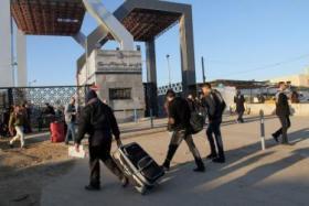 صحيفة: إسرائيل طالبت مصر بإعادة فتح معبر رفح تجنبا للتصعيد بوجهها
