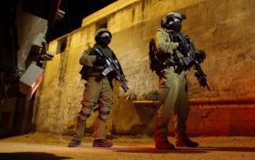 اعتقالات في الضفة والاحتلال يزعم العثور على أسلحة
