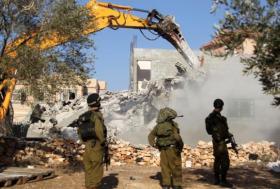 الاحتلال يهدم منزل الأسير عاصم البرغوثي في بلدة كوبر