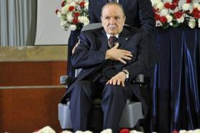 الجزائر.. تمرد 72 من قيادات الحزب الحاكم على قرارات بوتفليقة