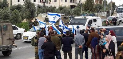 مستوطنون يقتحمون محيط مدرستين جنوب شرق بيت لحم