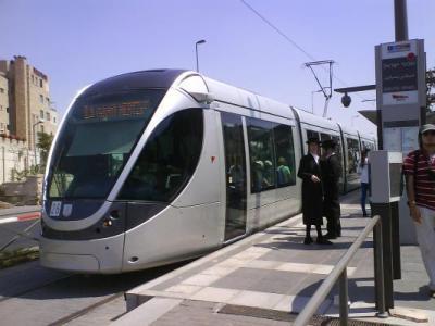 وقف حركة القطارات في سديروت بغلاف غزة بسبب صاروخ (صورة)