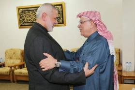 هنية يبحث مع العمادي الملف الإنساني بغزة