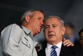 """غانتس يتهم نتنياهو بـ """"أكبر قضية فساد في تاريخ إسرائيل"""""""