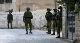 اعتقالات ومداهمات لجيش الاحتلال بالضفة الغربية