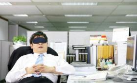 تأخير النوم 16 دقيقة فقط يدمر يومك التالي في العمل