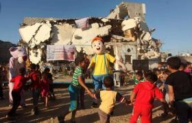 أكثر من نصف مليون طفل فقير بالضفة وغزة
