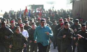 الولايات المتحدة تدرس بجدية الخيار العسكري في فنزويلا