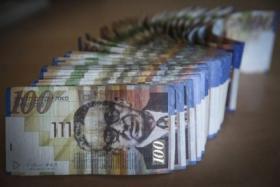 تطورات جديدة بشأن إعادة إسرائيل أموال الضرائب للسلطة