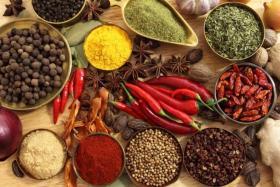 هل للأعشاب والتوابل تأثير صحي حقا؟