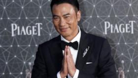 """شاهد  محاولة قتل الممثل الصيني الشهير """"سيمون رن"""" أمام جمهوره"""