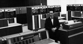 """""""أبو الكمبيوتر"""" يفارق الحياة بعمر 93 عامُا"""